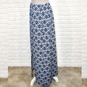 Vintage Skirts - Vintage Blue & White Patterned Maxi Skirt